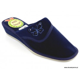 Pantofle damskie na koturnie zakryte Beata welur